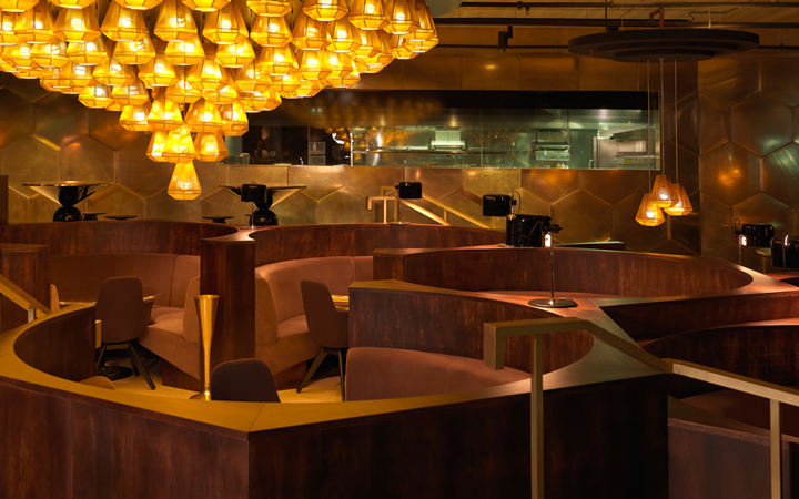 Eclectic restaurant . Tom Dixon . Paris . France