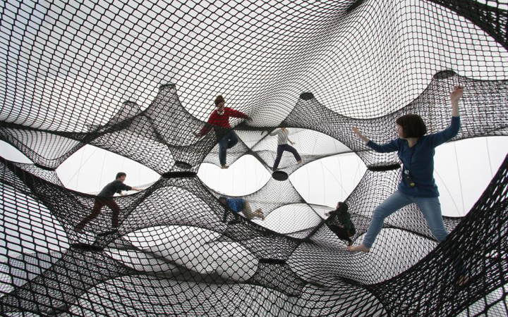 Net Blow-up . Numen / For Use . Yokohama . Japan